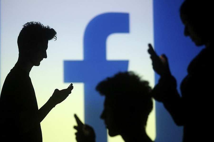 Facebook vs hagyományos társasok